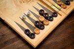 Den Klassiker Backgammon online spielen