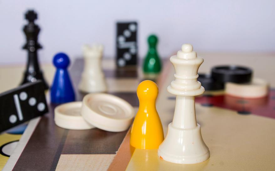 gesellschaftsspiele test 2019 f r kinder familien und. Black Bedroom Furniture Sets. Home Design Ideas